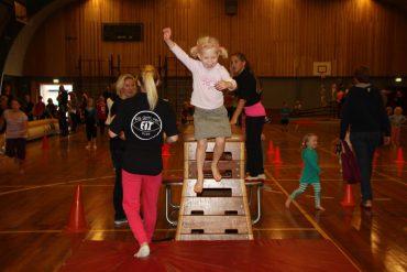 Gymmen, springen en klauteren bij gymnastiekfeest Fit